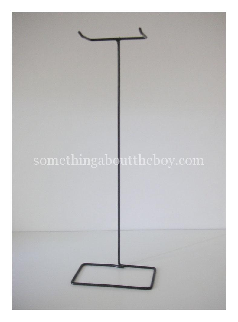 1961-64_750_Wire_Stand